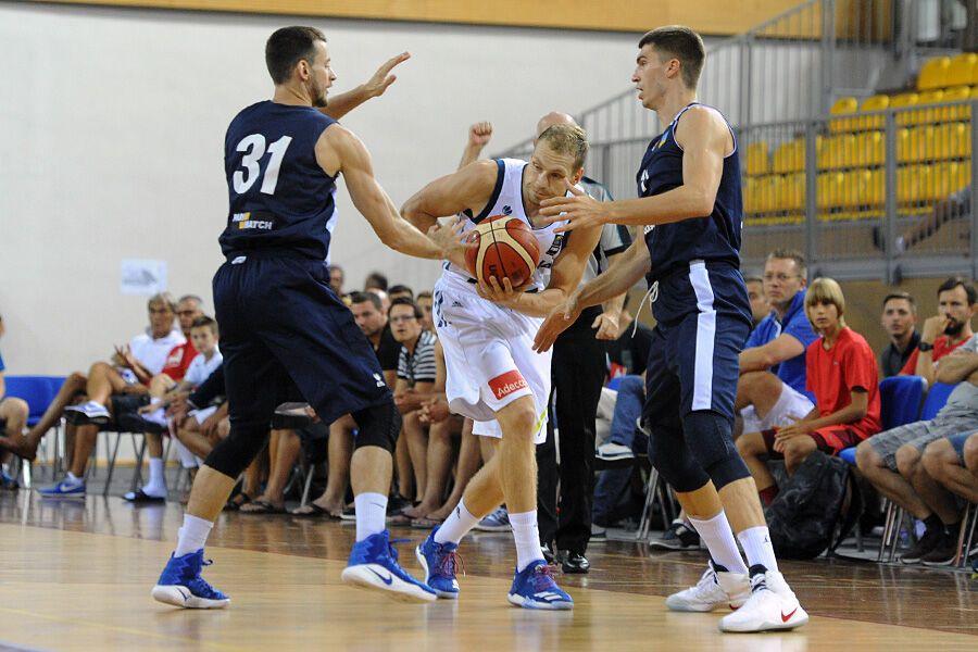 Подготовка к Евробаскету-2017: Украина драматично начала турнир в Хорватии