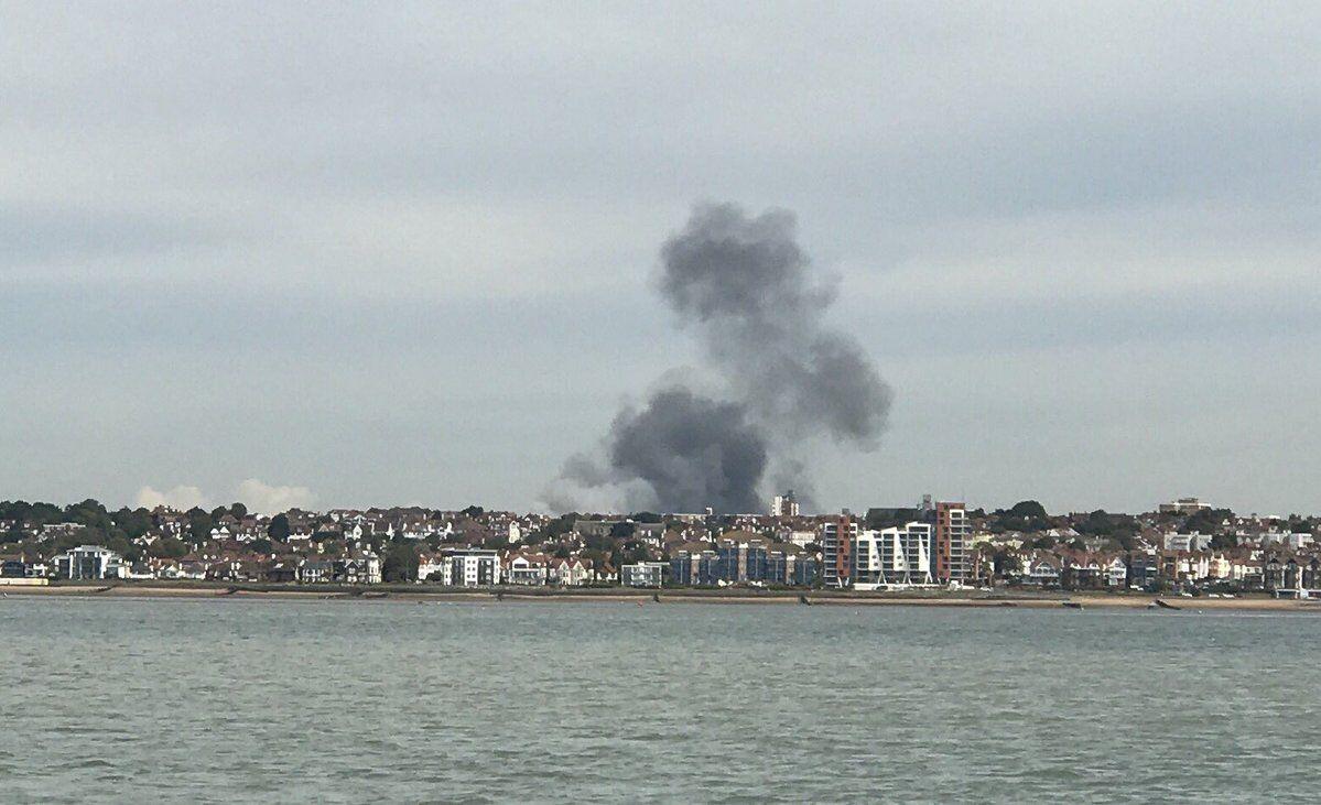 Дим стовпом: у Лондоні прогримів вибух поряд з аеропортом