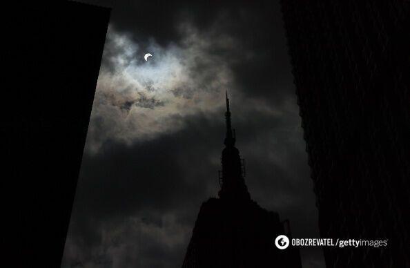 Солнечное затмение: появились первые фото