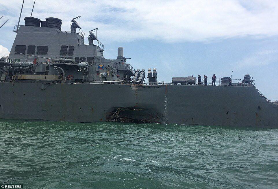 Порно видео в военном корабле