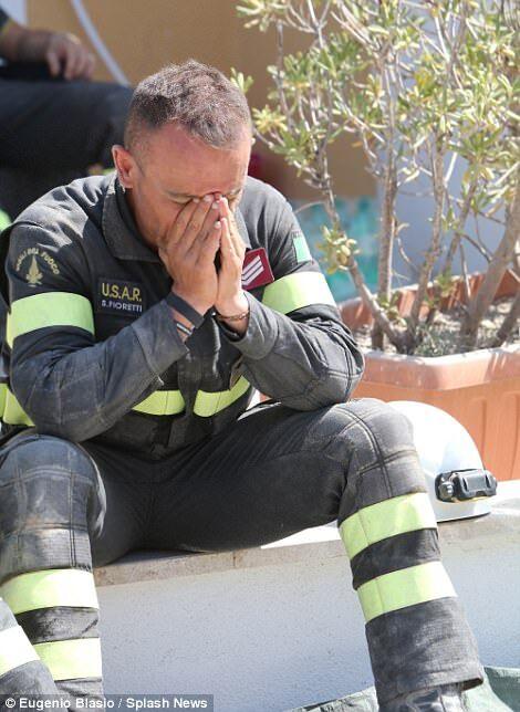 Землетрус в Італії: відео порятунку трьох дітей з-під завалів зворушило світ