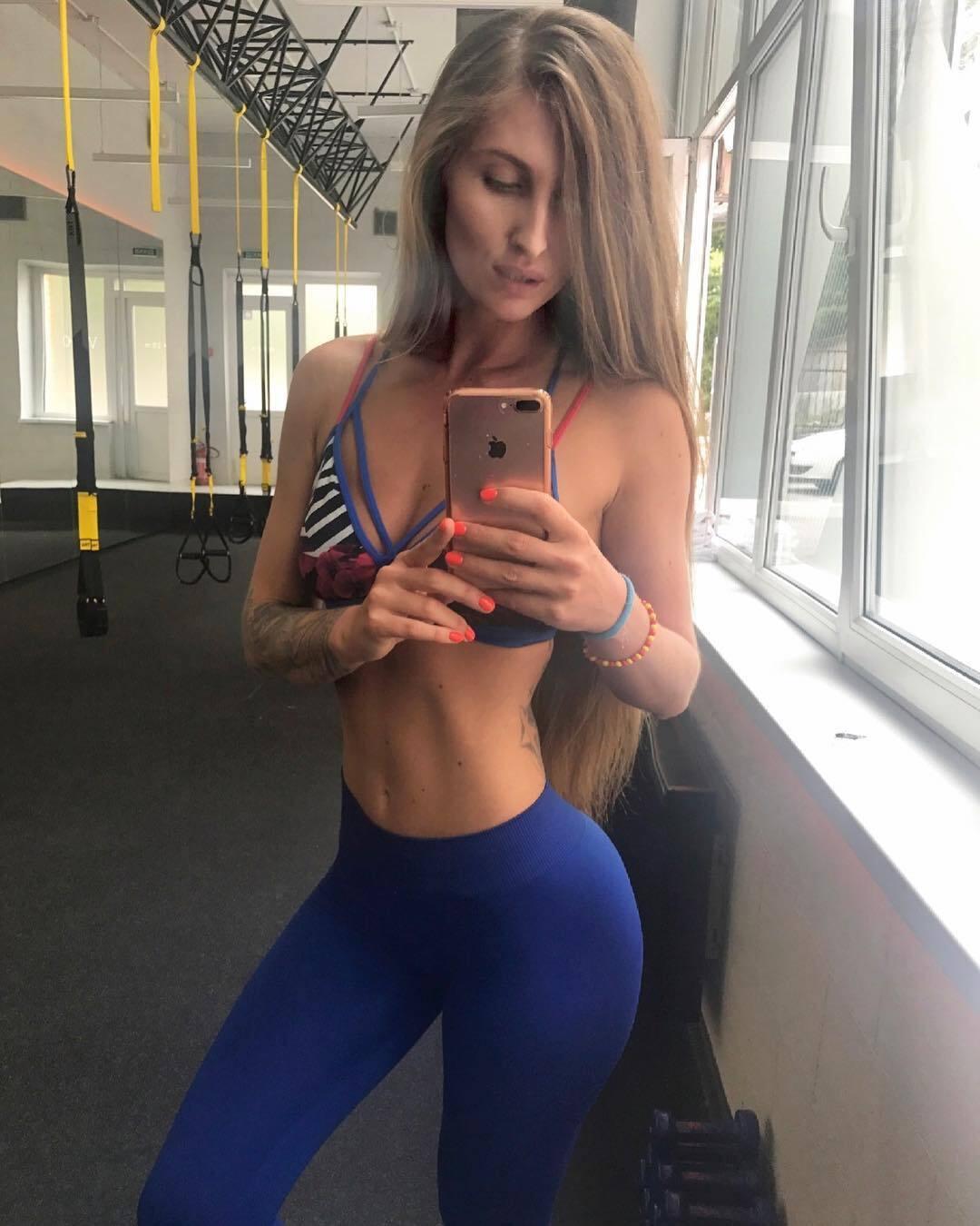 Фитнес-тренер из Киева очаровала Instagram откровенными снимками