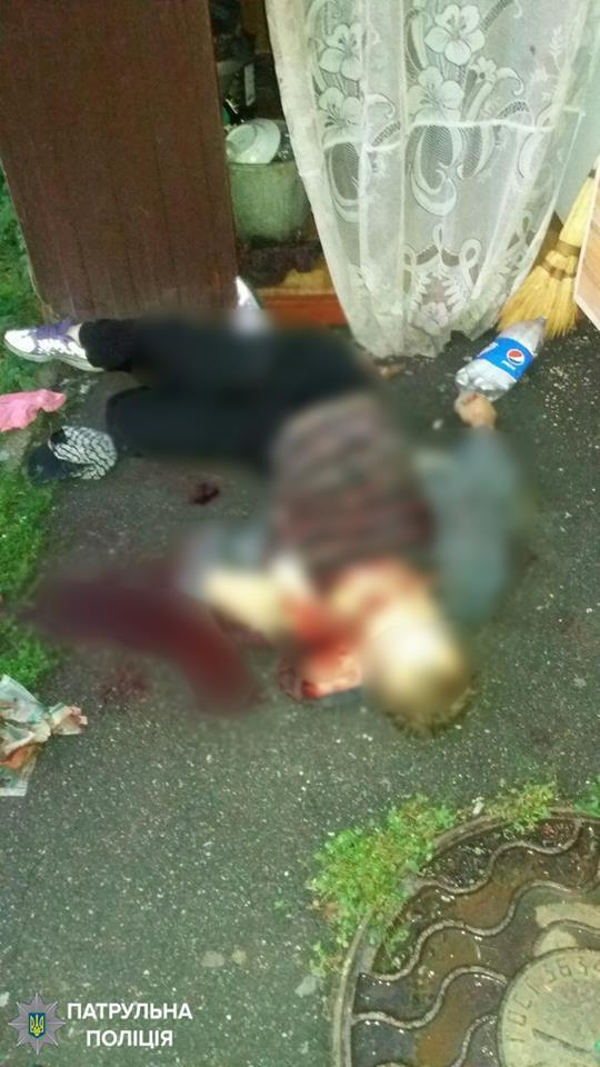 Из губы торчало лезвие ножа: полиция раскрыла детали убийства возле школы в Киеве