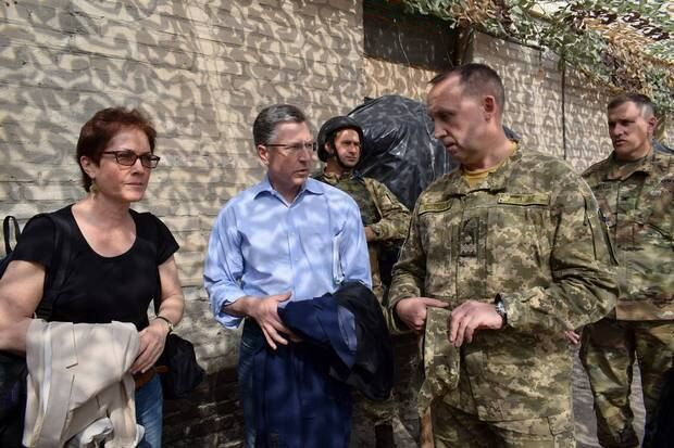 Соратник Порошенко поведал  о 3-х  сценариях введения миротворцев наДонбасс