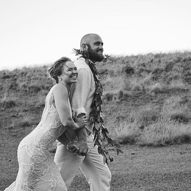 Самая популярная девушка боец в мире вышла замуж за коллегу