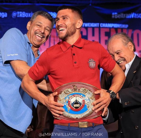 Всемирная боксерская организация признала Ломаченко суперчемпионом мира