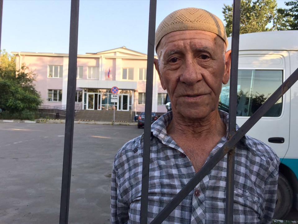 Суд окупантів у Криму відмовився відпустити 76-річного кримчанина з хворобою Паркінсона