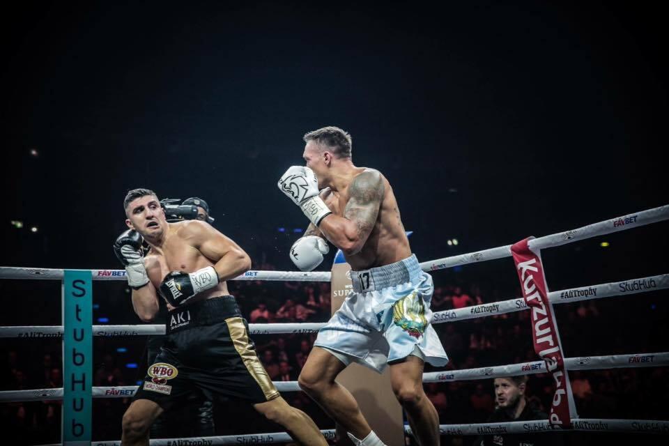 Ради Украины! Как Усик стартовал в боксерской Лиге чемпионов