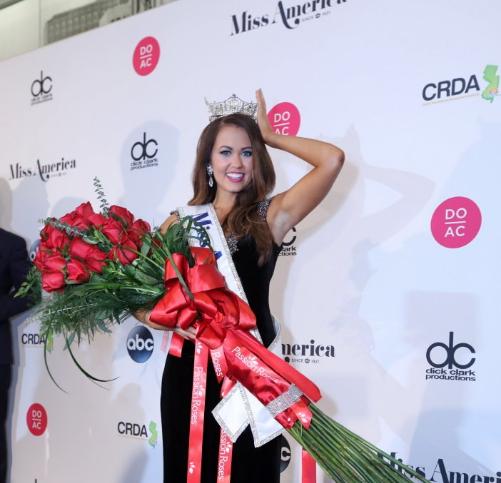 23-летняя Кара Мунд выиграла конкурс красоты «Мисс Америка 2018»