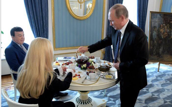 """""""Не хочу лякати, але ..."""" Чаювання Кобзона і Путіна спантеличило мережу"""