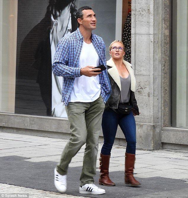 Папарацці показали, чим займаються Кличко і Панеттьєрі в Мюнхені