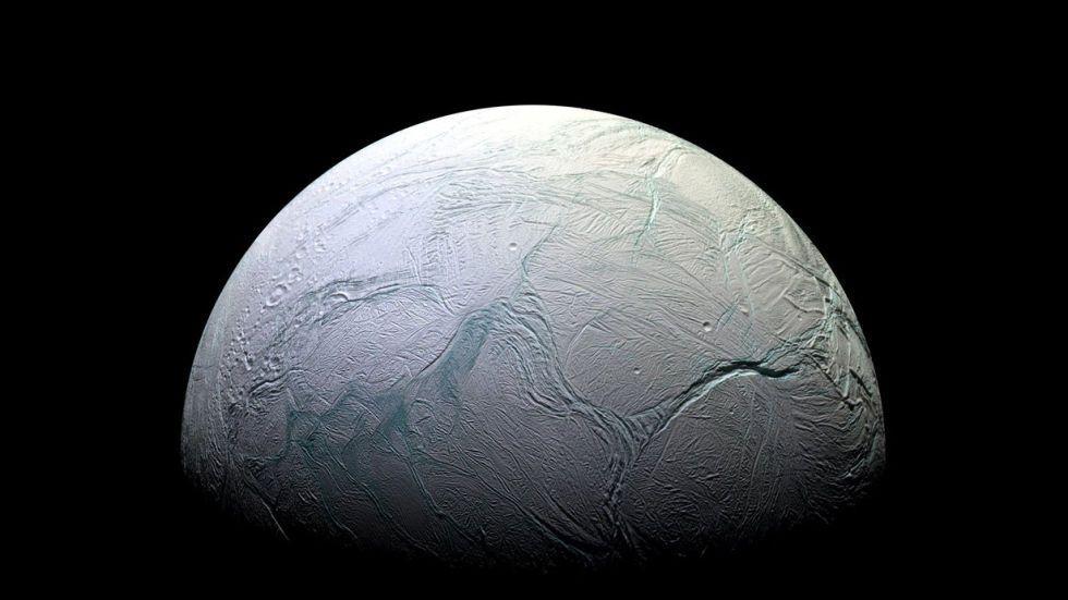 Тріщина на поверхні покритого льодом Енцелада
