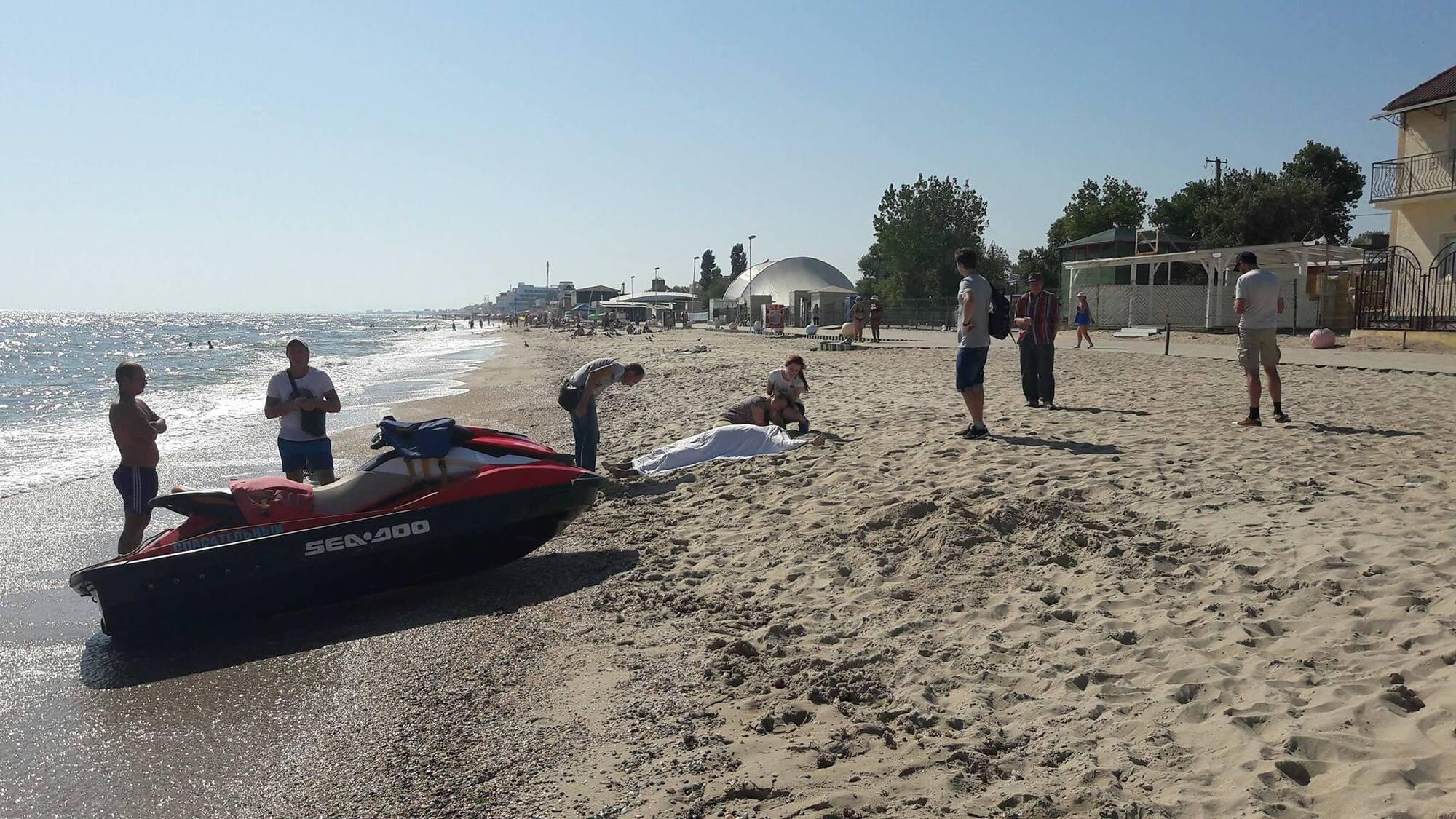 Трагедія на популярному курорті: на Одещині потонула людина