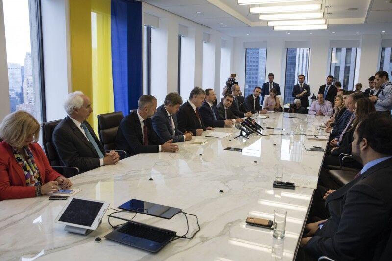 Порошенко: Україна завершила розміщення євробондів на $3 млрд