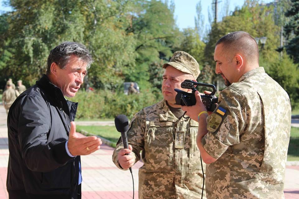 Экс-глава НАТО обратился с мощным призывом к Европе из зоны АТО