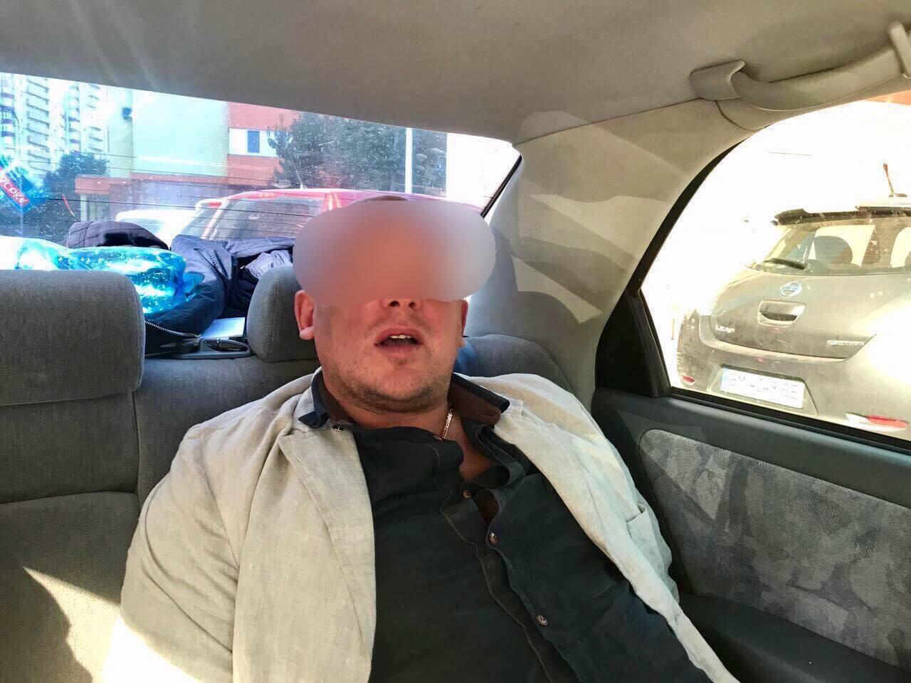 """На Київщині затримали екс-співробітників """"Кобри"""" за викрадення елітних авто"""
