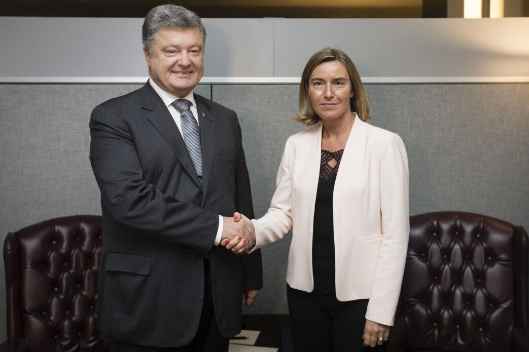 Порошенко обсудил сТуском «деоккупацию» Крыма