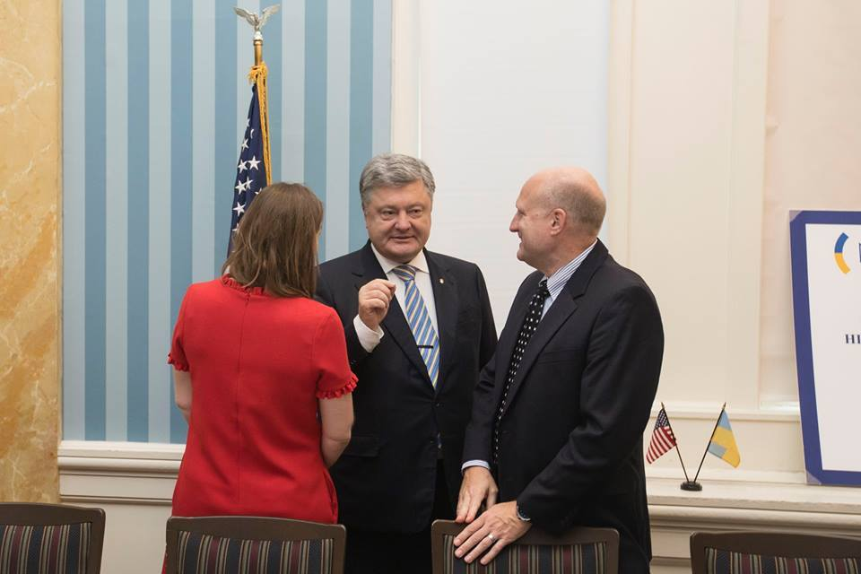 Порошенко: Украинская экономика растет шесть кварталов подряд
