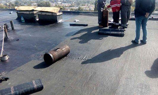 В Киеве прогремел взрыв на крыше дома: есть пострадавшие
