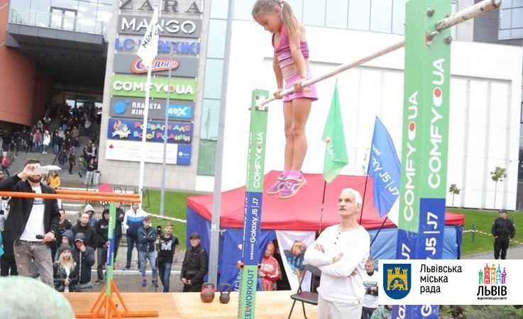 7-летняя украинка установила феноменальный мировой рекорд по воркауту