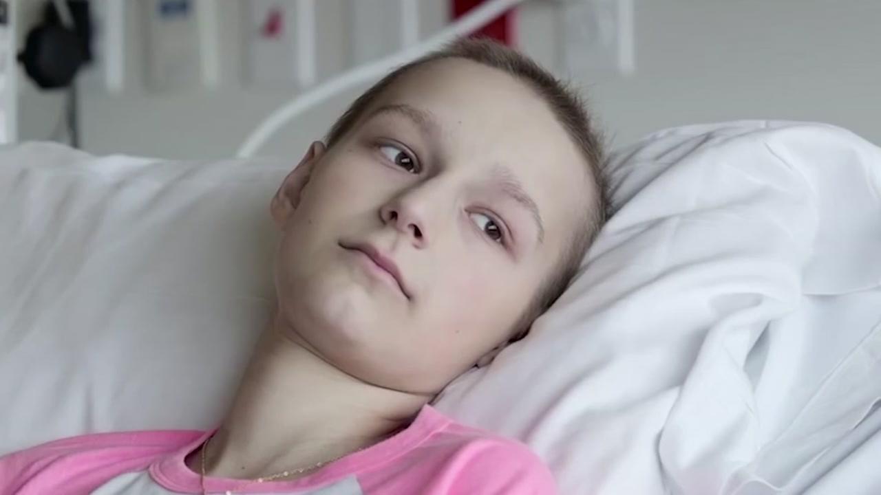 """""""Я намагаюся жити на повну"""": історія 12-річної дівчинки, яка перемогла рак"""