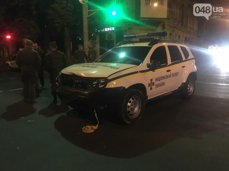 В Одессе бойцы Нацгвардии устроили ДТП на служебном авто