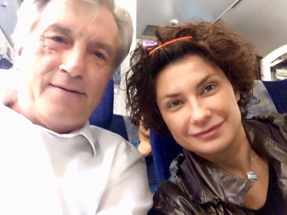 """""""Ви схожі на президента"""": з Ющенком стався курйозний випадок в електричці"""