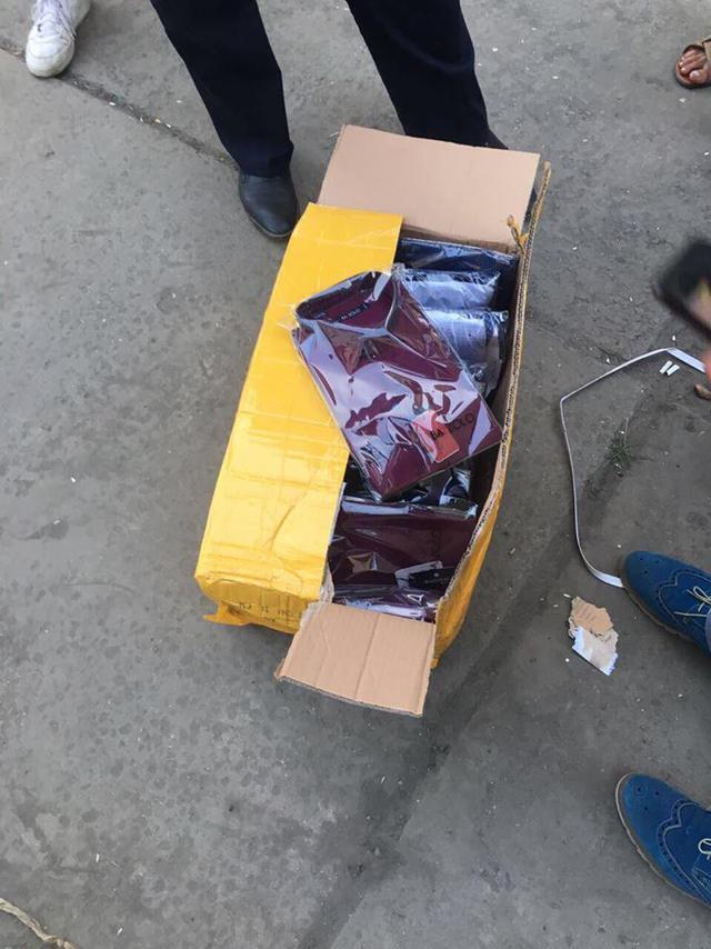 Раскрыта масштабная схема контрабанды в Украину брендовой одежды