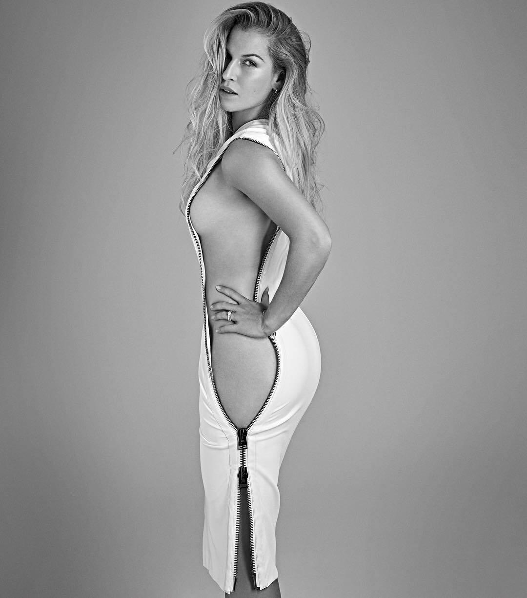 Знаменита тенісистка викликала фурор своїм фото без нижньої білизни
