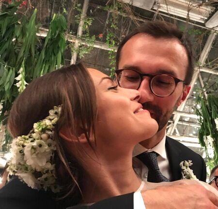 Кто пришел поздравить Лещенко и Топольскую: фото пары с гостями