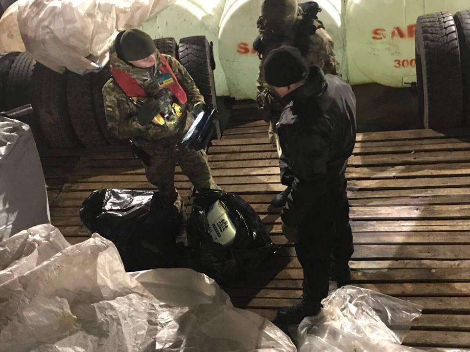 С погоней и стрельбой: у берегов Украины поймали крупных контрабандистов