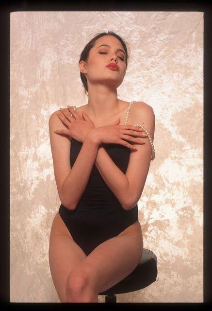 16-летняя Анджелина Джоли