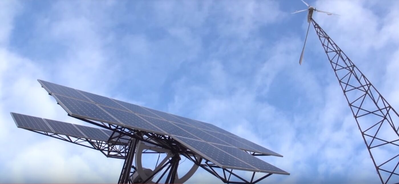 Реальний приклад: будинок на Київщині, що заробляє на сонці та вітрі 1500 євро на рік