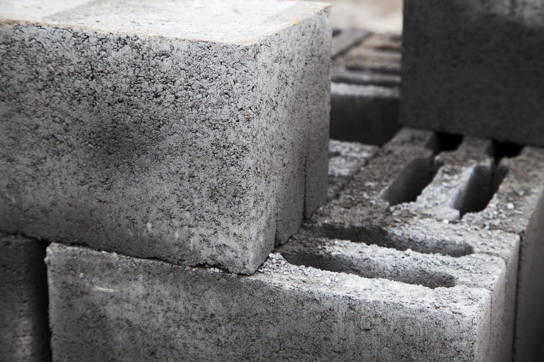 Абетка інвестора: що варто знати про стінові матеріали