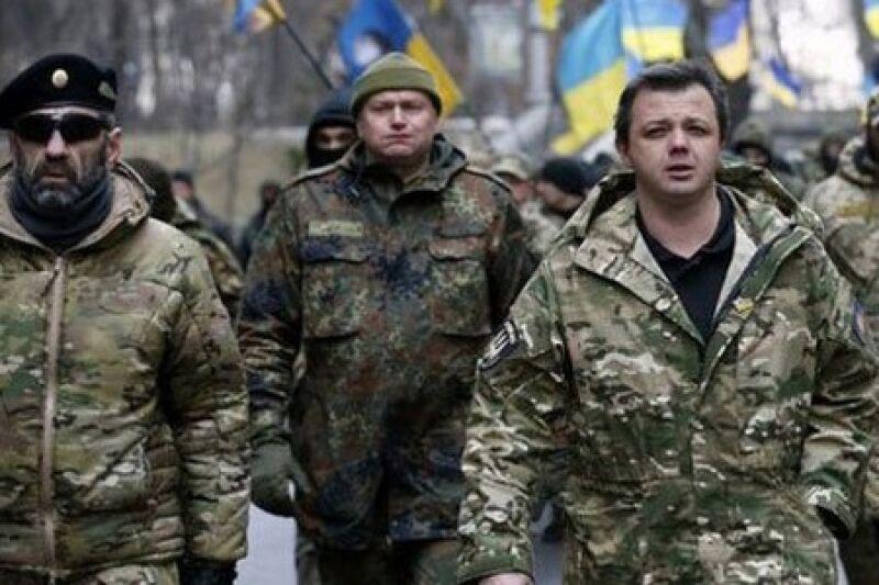 Семен Семенченко в сопровождении охраны