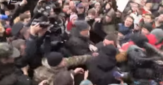 Смерть Ноздровской: появилось видео нападения активистов на Ценова