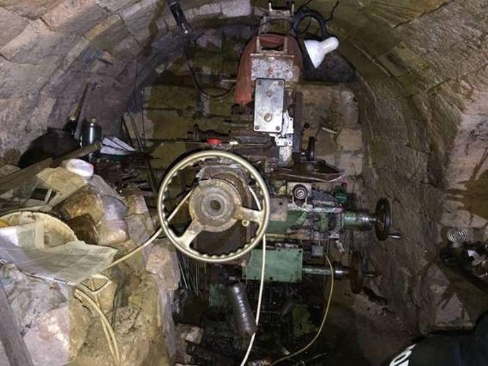 Оборудование в подвале дома №48