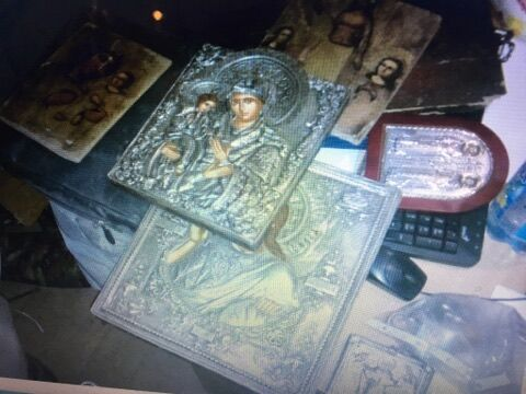Иконы, которые нашли в шкафчике у Лихолита