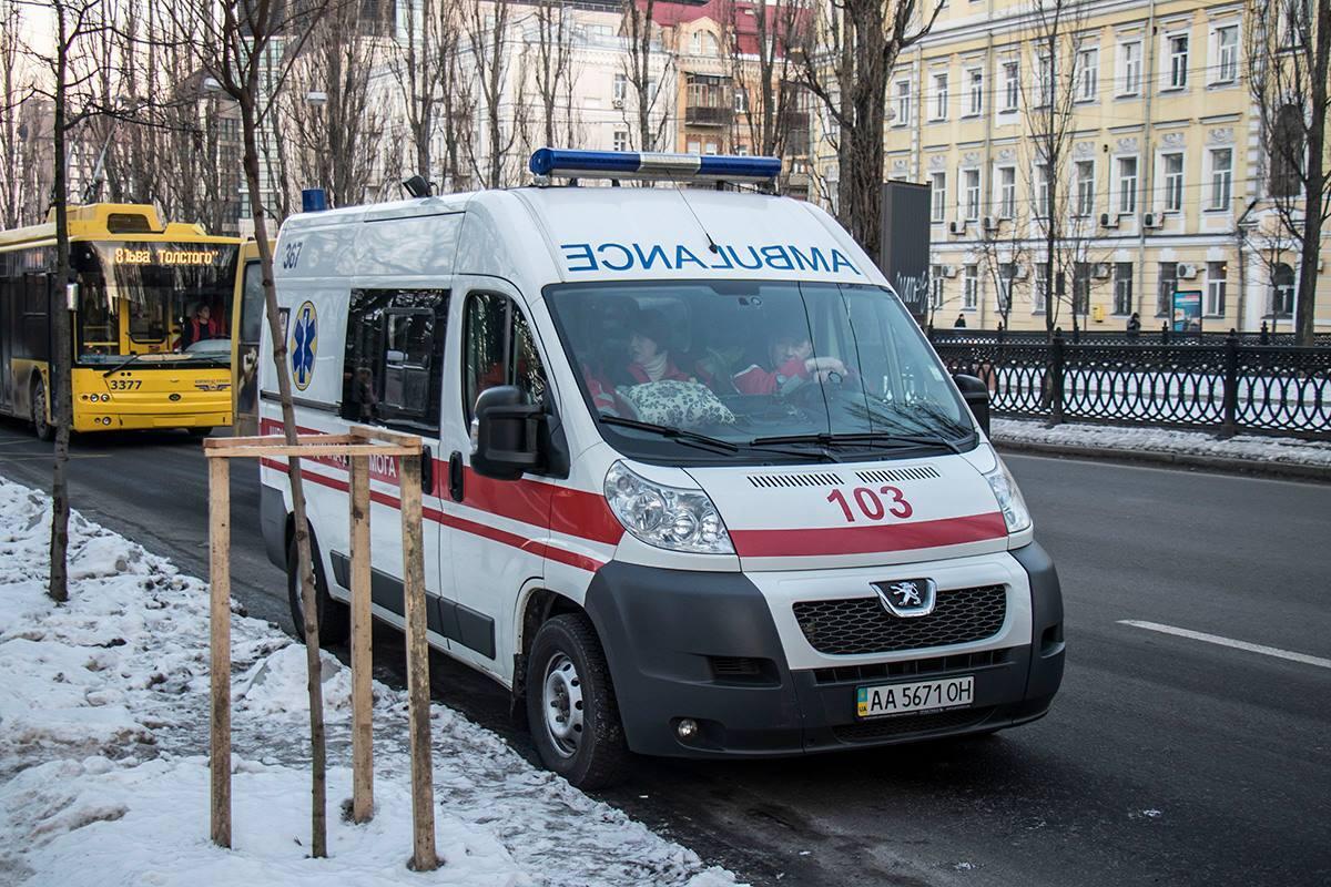В Киеве произошло смертельное ЧП в троллейбусе