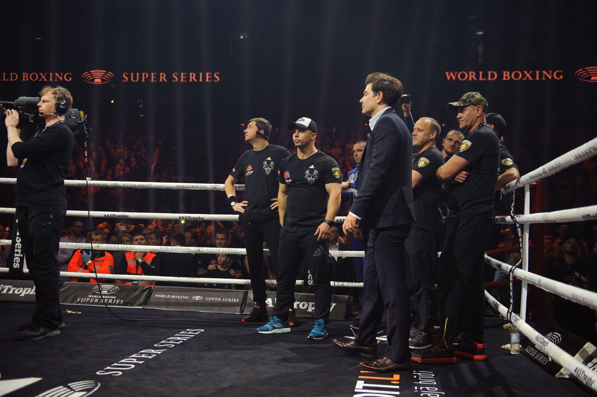 Усик переміг Брієдіса і вийшов у фінал WBSS