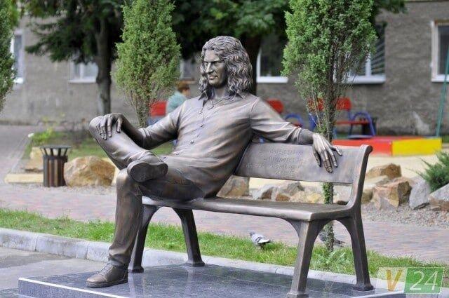 Три года без Кузьмы Скрябина: как его чтят в Украине