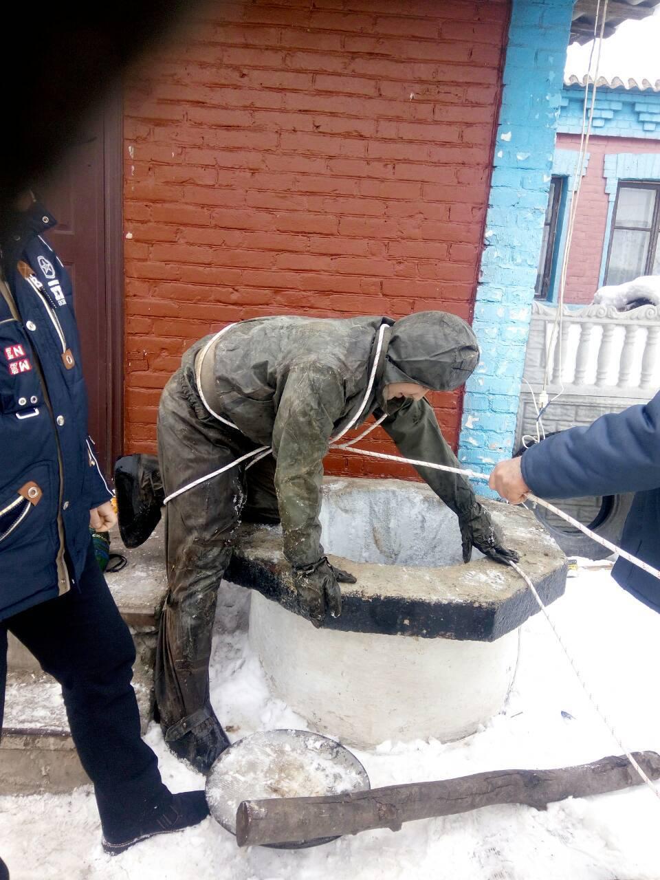 Тіло знайшли в колодязі: під Києвом сталася смертельна НП