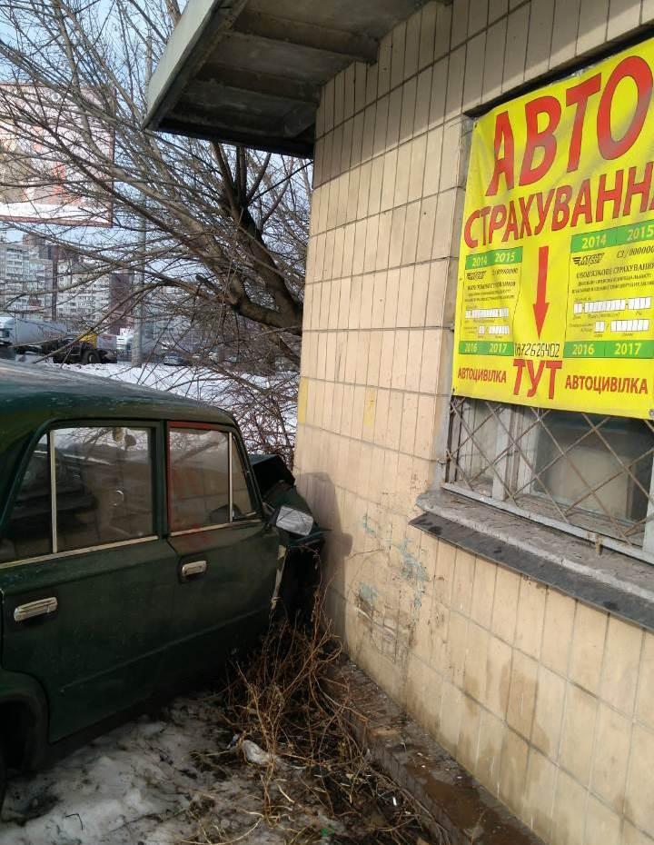Украли два авто: в Киеве с погоней задержали детей-угонщиков