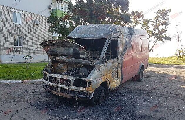 На запорожском курорте сгорел пассажирский автобус (ФОТО)