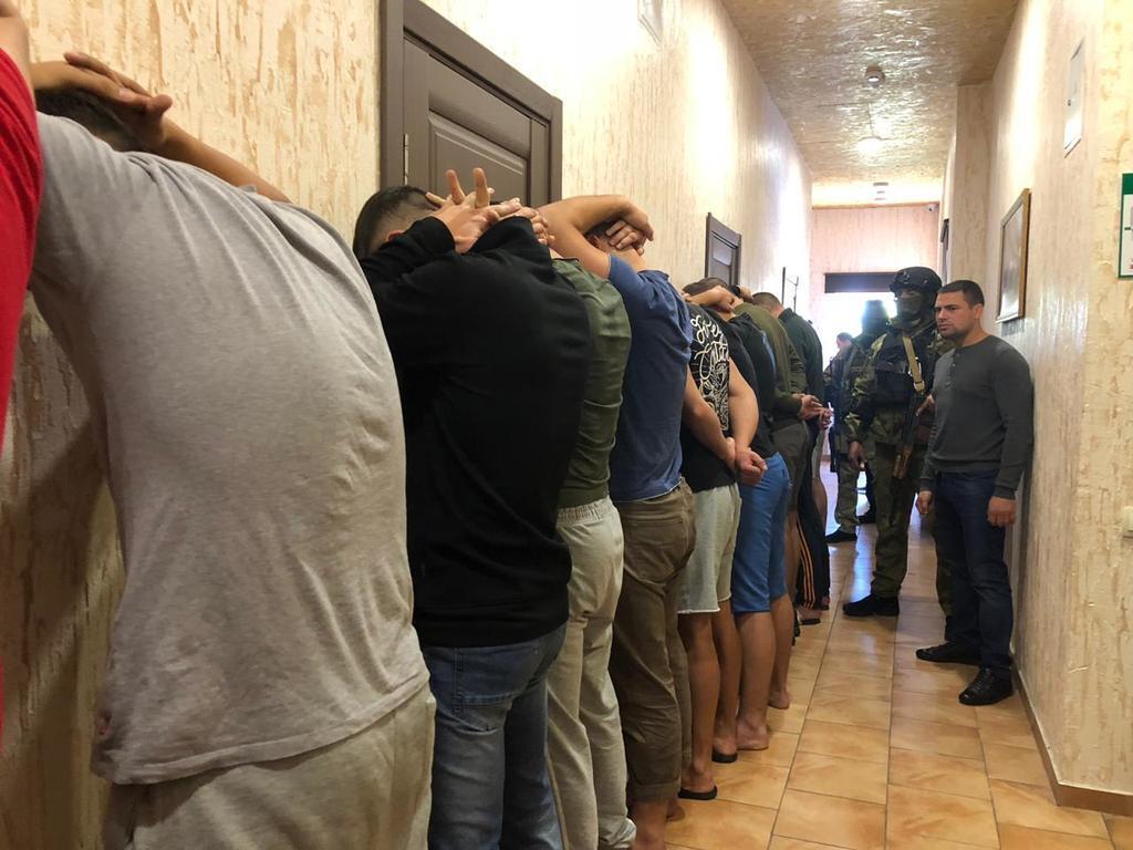 В Одессе задержали 25 вооруженных титушек