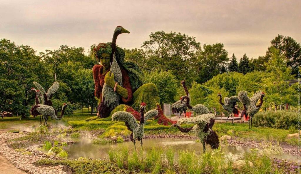 Птицы и лошади: как выглядят самые яркие клумбы в мире