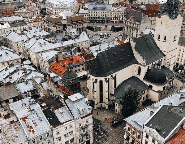 Осенний Львов: опубликовано красочные фото города