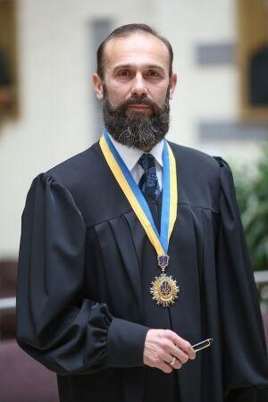 Артур Ємельянов