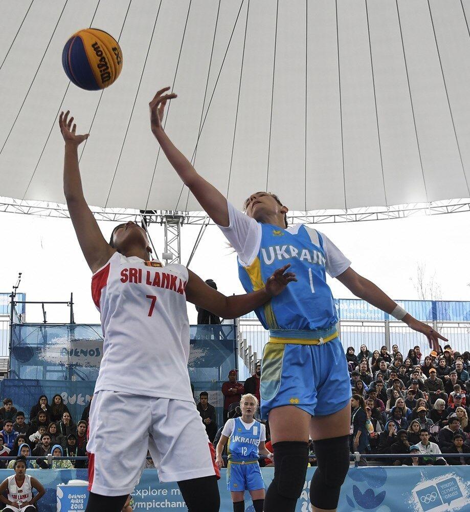 Украинские баскетболистки 3х3 вышли в четвертьфинал Юношеской Олимпиады