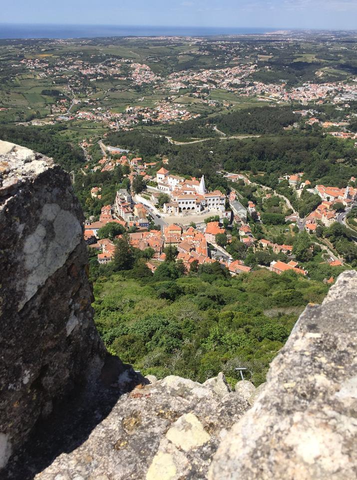 ''Завораживающие виды'': в сети появились фото старинного замка в Португалии
